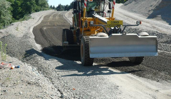 Roller-compacted concrete for safe roads
